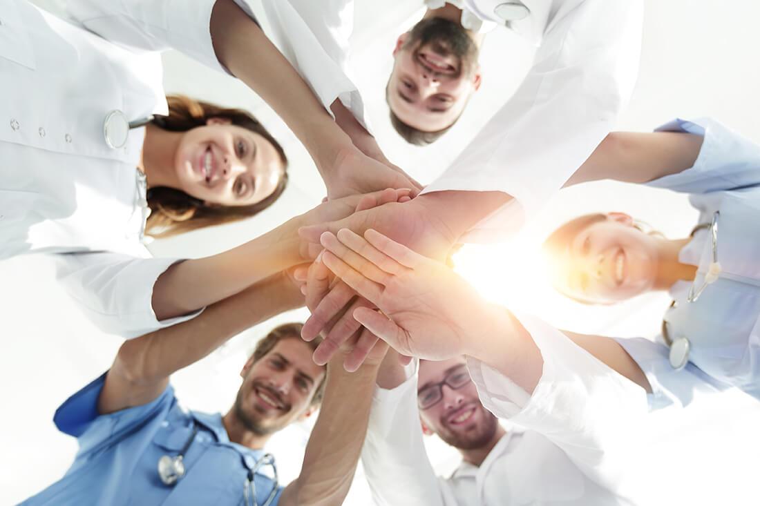 consanitas - Beratung für Ärzte, Zahnärzte, Apotheker und Physiotherapeuten - Brenneis - Arbeitsklima optimieren - Liquidität steigern - Arbeitsklima optimieren